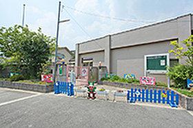 市立三山木幼稚園 (約2,300m)