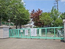 所沢市立荒幡小学校まで徒歩14分(1100m)