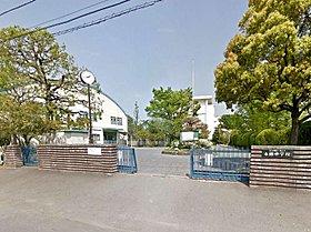 富士見市立本郷中学校まで徒歩5分(386m)