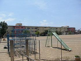 幕張東小学校まで徒歩9分(約700m)