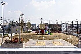 緑豊かな広場のコミュニティパーク。