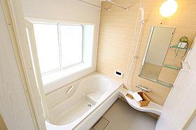 お掃除かんたんクリーン仕様やエコにも配慮したバスルーム。