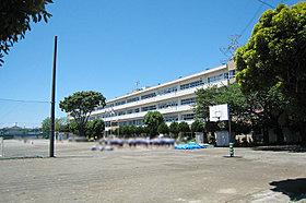 桶川東中学校まで450m