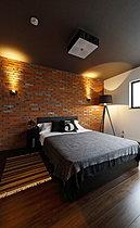 【コンセプトハウス】本物の煉瓦を施した海外のような寝室