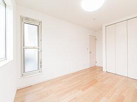 2階の6帖洋室