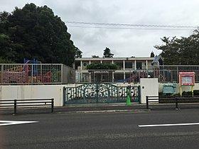 外山幼稚園:徒歩7分(550m)