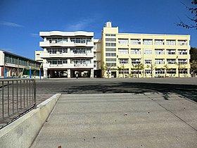 駒林小学校(約866m/徒歩10分)