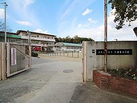三日市小学校までは旧道を通り徒歩7分