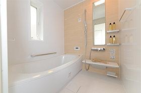 浴室換気乾燥機標準のバスルーム