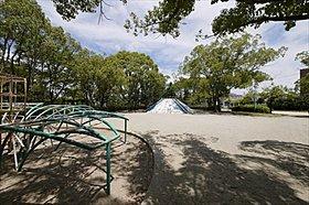 竹見公園まで徒歩3分。