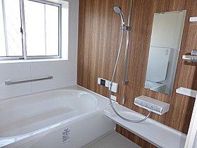 浴室は大きめの2.5帖。親子で入ってもゆとりがありますね