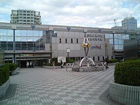 川西能勢口駅~JR川西池田駅迄は連絡通路がございます