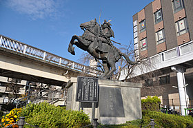 JR川西池田駅を利用すれば神戸や京都方面にもアクセスできます