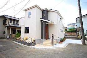 洗練された外観デザイン、敷地109m2!ゆとりの住空間。