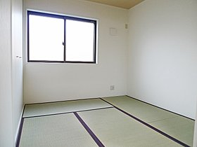 和室を開放することで、22帖の大空間に。(I号棟)