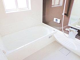 【1坪サイズシステムバスイメージ】浴室はゆったり1坪サイズ