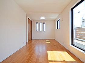 【18号棟】2F10.43帖洋室は2部屋としても利用可能です