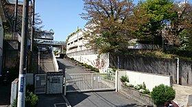 寝屋川市立第十中学校27m(徒歩1分)
