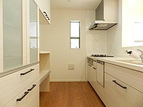 キッチン(食洗器、食器棚付き)のカウンタータイプ