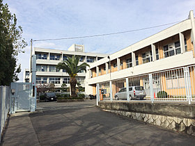 ■第三中学校までは徒歩14分(約1100m)