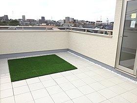 人気の屋上庭園の施工も行っております。