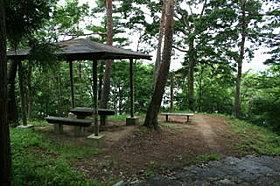 南高野史跡公園まで1200m(徒歩16分・車6分)