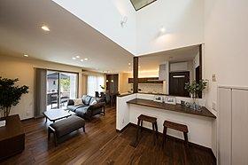 家具付のモデルハウスなので、実際の生活がイメージしやすい。
