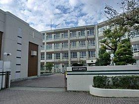 藤森中学校