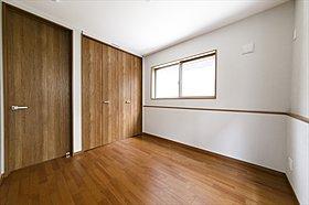 収納が多いお家はすっきりして快適空間です♪