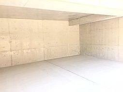 電動シャッター付き車庫