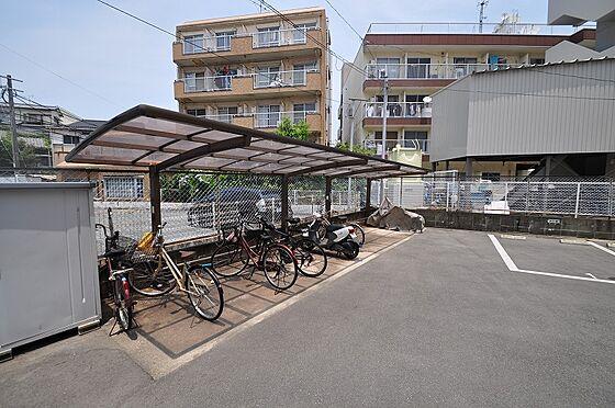 ビル(建物全部)-福岡市東区香住ケ丘2丁目 雨の日も安心の屋根付き駐輪場