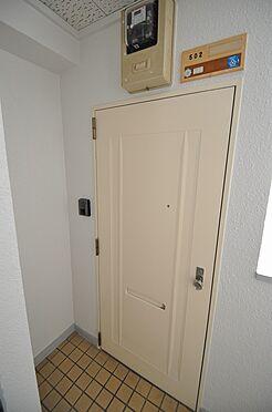ビル(建物全部)-福岡市博多区美野島1丁目 玄関ドアも塗装済みで印象UP