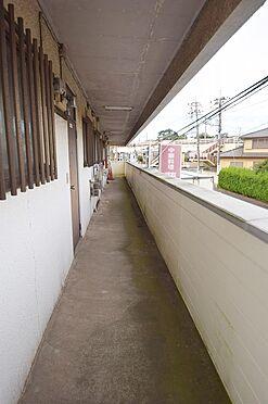 アパート-千葉市中央区都町3丁目 共用廊下も高圧洗浄で爽やかな印象に