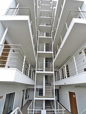 マンション(建物一部)-前橋市元総社町 開放感を演出したHALL WAY