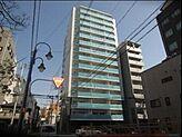 平成24年8月の新築物件 15階建ての11階部分です 堂々とした佇まいです 南海本線難波駅より徒歩7分と 大変便利です