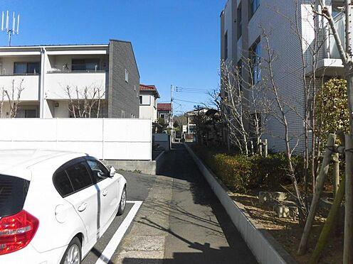 アパート-世田谷区玉堤1丁目 前面道路(東側)と周辺環境