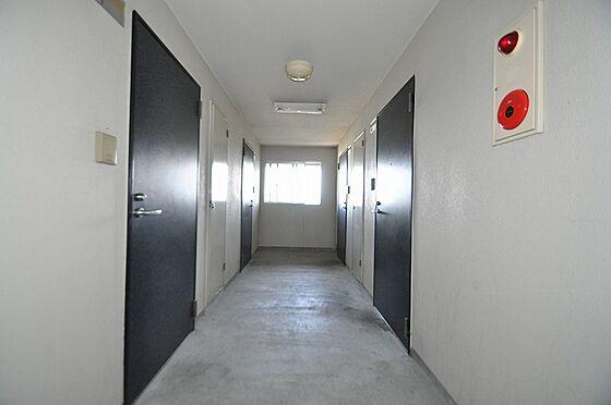 ビル(建物全部)-福岡市博多区千代2丁目 広々として往来も楽々の屋内共用部廊下