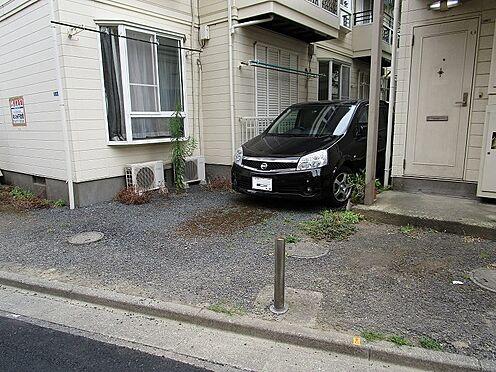 アパート-墨田区八広5丁目 敷地内に駐車場あり。