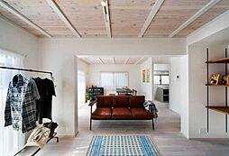 家具が映える真っ白のゆとりある空間。(施工事例)