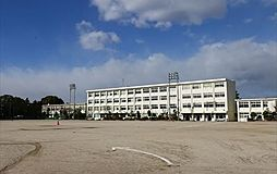 豊田市立豊南中学校まで523m