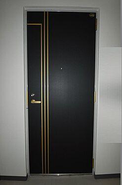 ビル(建物全部)-相模原市中央区相模原2丁目 重厚感のある玄関扉