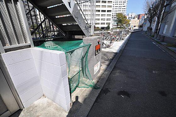 ビル(建物全部)-福岡市中央区渡辺通4丁目 ゴミの飛散を防ぐ専用ゴミ置場