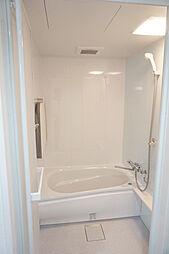 ゆっくりと一日の疲れを癒せる浴室