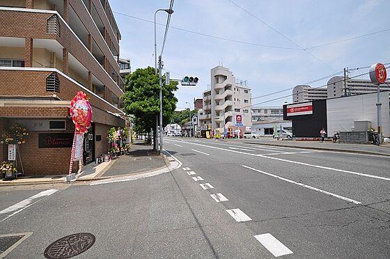 ビル(建物全部)-福岡市東区香住ケ丘2丁目 前面道路:幅員約20.2m・約20.5m接道