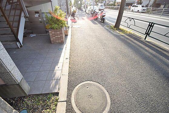 アパート-江戸川区東葛西5丁目 ゆったりとしたスペースの歩道。