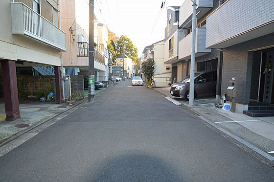 アパート-横浜市西区久保町 前面道路は幅員約5.88m、間口約2.00m