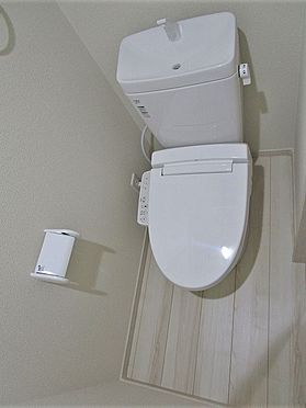 アパート-葛飾区堀切2丁目 人気設備のウォシュレット付きトイレ。