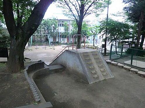 マンション(建物全部)-新宿区西落合1丁目 周辺環境:葛ヶ谷公園