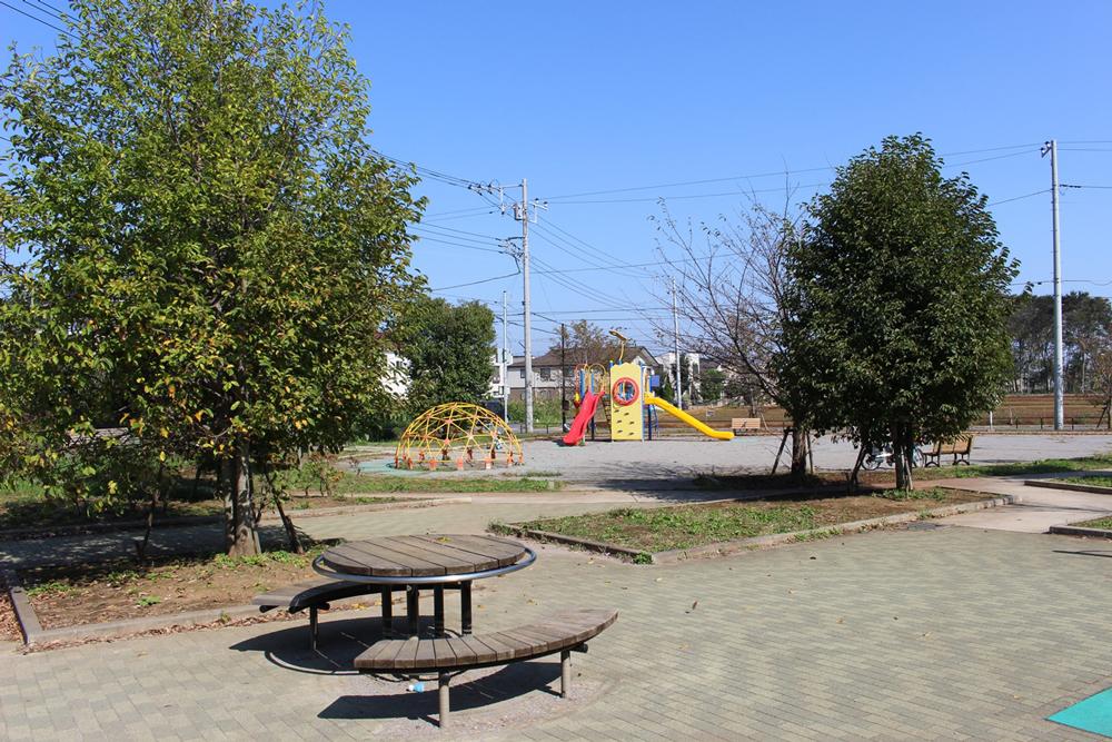 柏たなか第三公園 約980m(徒歩13分・自転車4分)