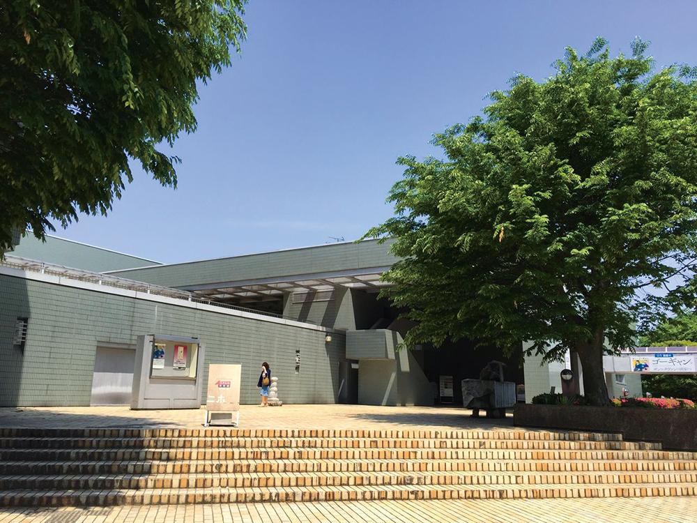 福井県立美術館 約920m(徒歩12分)